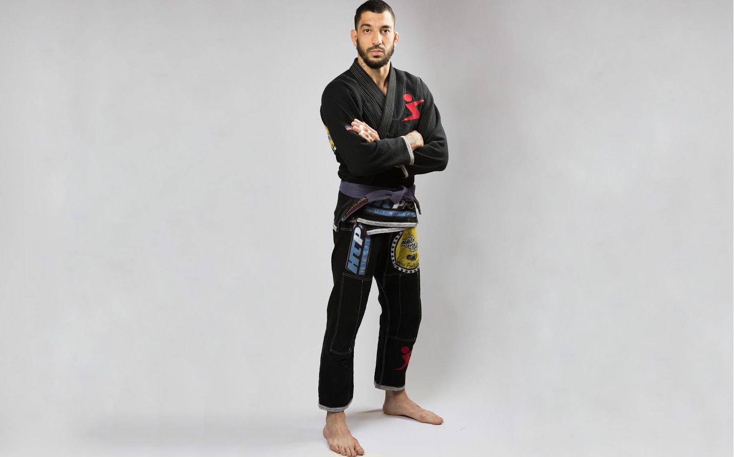 A paixão pelo jiu-jitsu é a motivação do lutador Rodrigo Oliveira