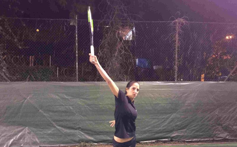 Vídeo-dica de Tênis - Como bater uma bola alta no backhand de uma mão