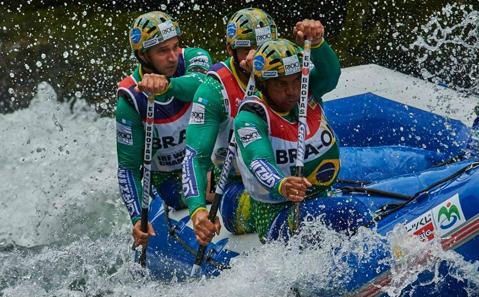 Bozo D'Água rafting