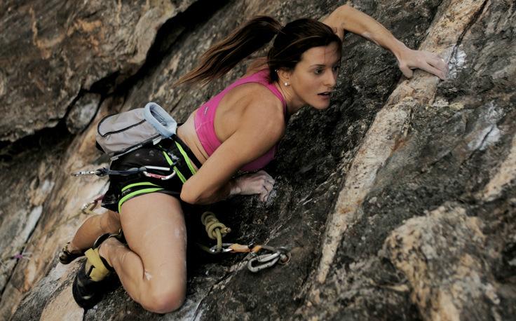 Janine Cardoso, decacampeã brasileira de escalada esportiva e presidente da Associação Brasileira de Escalada Esportiva